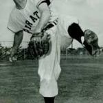 Pittsburgh Pirates draft right-hander ElRoy Face from the Montreal Royals