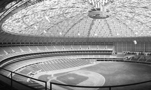 At a cost of $20,000, the originalAstrodomeceiling is painted because the sun's glare makes fieldingfly ballshazardous. This will cause the grass to die and spur the introduction ofartificial turfnext season.