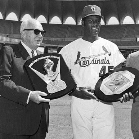 Bob Gibson wins the National League's Most Valuable Player Award, edging out Reds infielder Pete Rose.