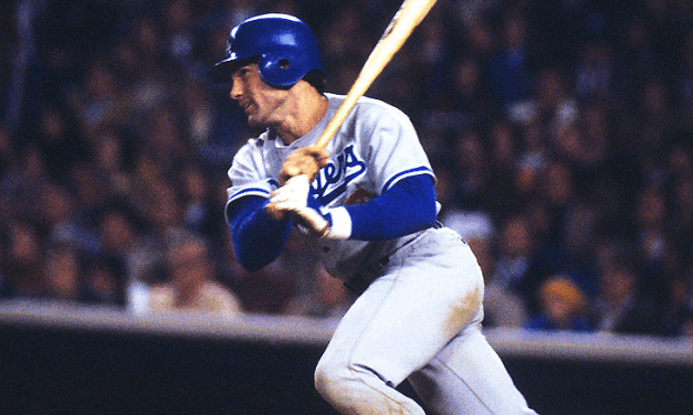 Steve Garvey becomes 5th player to play 1000 consecutive games