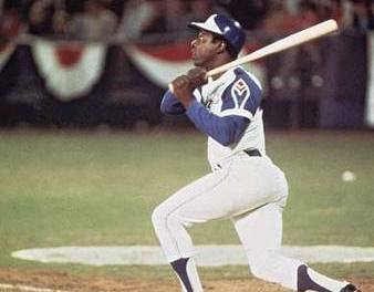Hank Aaron hits his 750th career homer