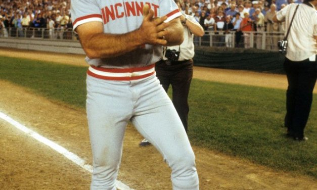 Pete Rose of the Cincinnati Reds extends his hitting streak to 44 games