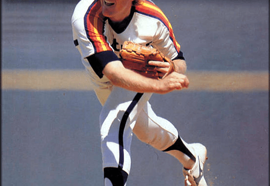 Houston Astros acquire pitcher Mike Scott