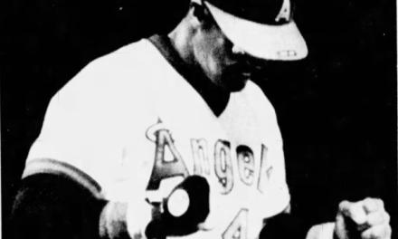 Reggie Jackson hits homerun number 500