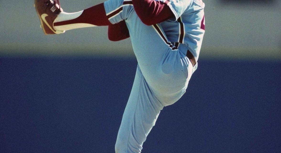 In the closest vote inCy Young Awardhistory,Steve BedrosianedgesRick Sutcliffe, 57-55, to win theNational League honors. Bedrosian is the thirdrelief pitcherever to win the award in the NL.