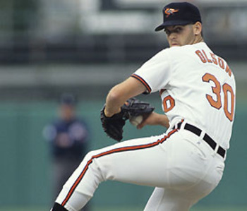 Gregg Olson of the Baltimore Orioles becomes the first relief pitcher to win the American League Rookie of the Year Award. Olson receives 26 of 28 first-place votes. Tom Gordon and Ken Griffey, Jr. are runner-ups.