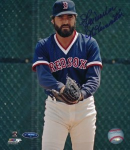 Free agentcloserJeff Reardonsigns with theRed Sox.