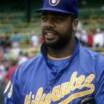 Milwaukee Brewers sign free agent Dave Parker