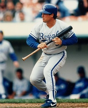 The Kansas City Royals trade IF Gregg Jefferies and Ed Gerald to the St. Louis Cardinals in exchange for OF Felix Jose and IF/OF Craig Wilson.