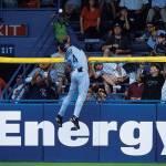 Ken Griffey makes an incredible catch at Tiger Stadium