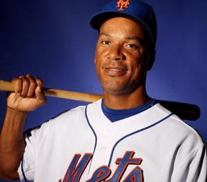 Moises Alou hit safely in his 26th straight game, setting a new franchise mark for the New York Mets