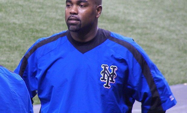 Carlos Delgado joins the Florida Marlins
