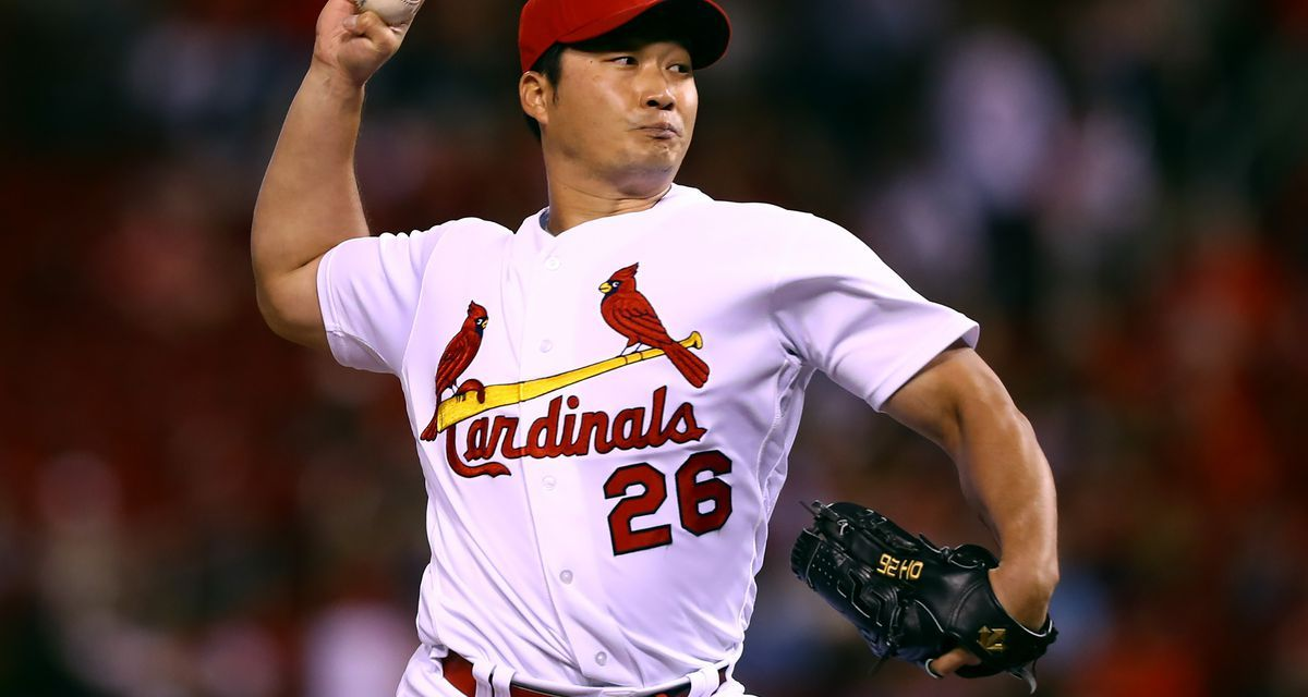 The Cardinals sign Seung-Hwan Oh, the greatest relief pitcher in the history of the Korea Baseball Organization,