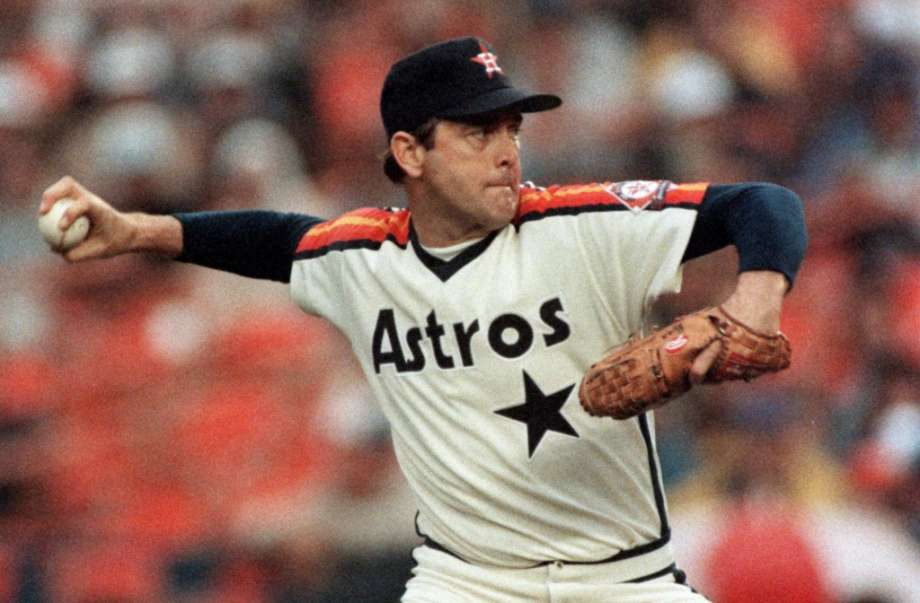 Nolan Ryan returns to the Astros organization under a five-year personal services contract