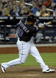 San Diego Padres acquire third baseman Gary Sheffield and a minor leaguer from the Milwaukee Brewers