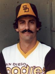 San Diego Padres sign veteran free agents Rollie Fingers and Gene Tenace
