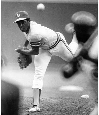 1971 – Vida Blue of the Oakland Athletics wins the American League Cy Young Award by a 98-85 margin over Mickey Lolich of the Detroit Tigers. Blue was 24-8 for Oakland, posting 301 strikeouts, eight shutouts and a 1.82 ERA, becoming the youngest pitcher to win the award. In the National League, Ferguson Jenkins of the Chicago Cubs receives the honor.