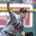 Greg Maddux wins his 300th career game