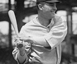Boston Red Sox acquire future Hall of Famer Heinie Manush