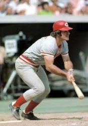 Pete Rose collects his 2000 hit