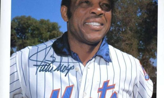 Willie Mays gets his last hit, an RBI-single that plates the decisive run in the 12th inning of the Mets' 10-7 victory over the A's
