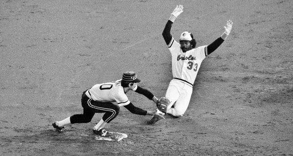 Eddie Murray steals home in 12th to give Baltimore a 2-1 win over Chicago