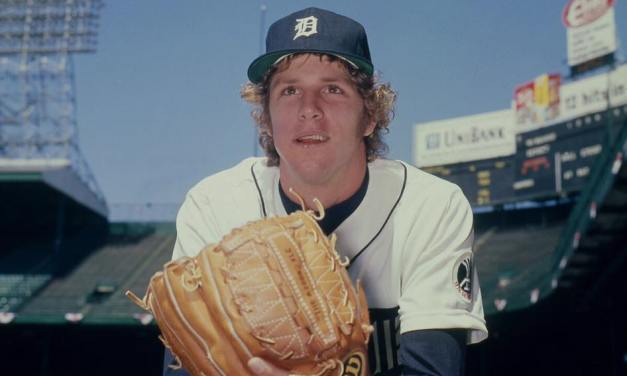 Detroit Tigers pitching sensation Mark Fidrych tears cartilage in his left knee