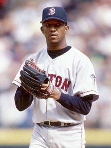 National League Cy Young AwardwinnerPedro Martinezgoes from the Expos to theBoston Red Sox