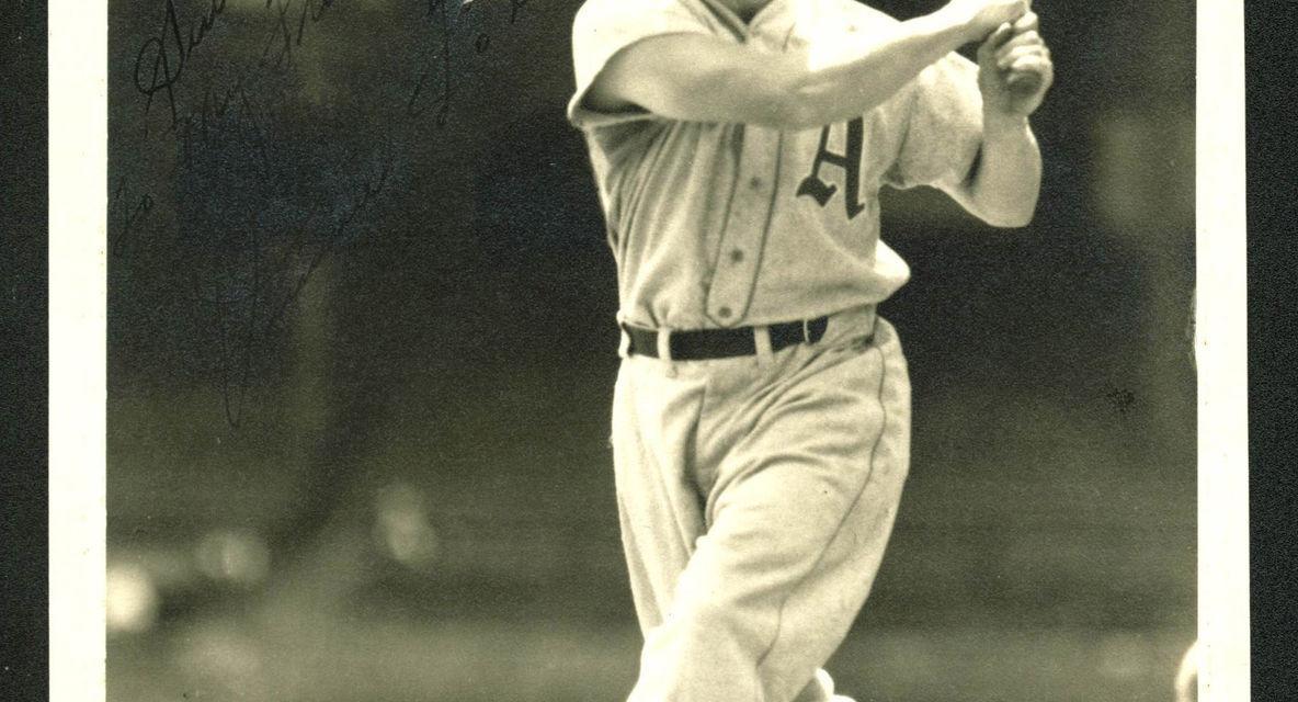 SluggerJimmie Foxxsigns with theNational League'sPhiladelphia Phillies.