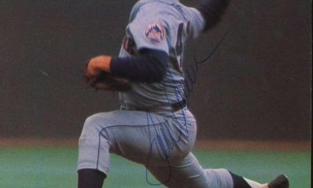 New York Mets sign Tom Seaver to first contract