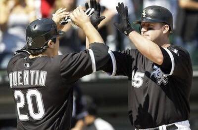 White Sox hit 4 straight homeruns
