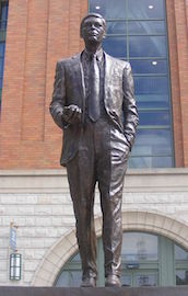 Milwaukee Brewers announce the club plans to erect a seven-foot statue of former owner Bud Selig