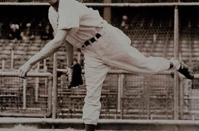 Carl Hubbell becomes the first unanimous NL MVP