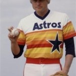 Joe Niekro strikes out 5 in one inning