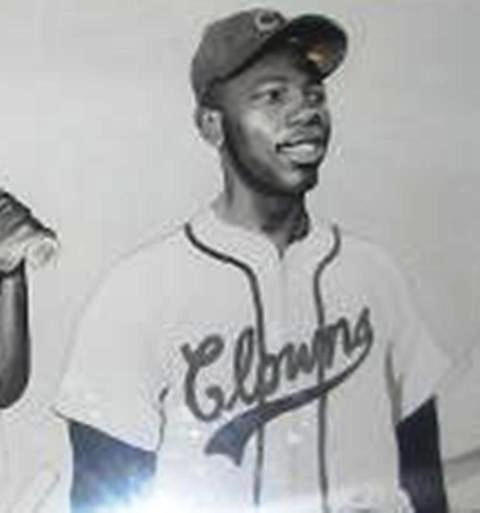 10,000, the Braves sign the 18 year-old Negro League player and assign him to the Eau Claire Bears, the team's Class-C farm team. The future home run king will play second base, being named the Northern League's Rookie of the Year when he hits .336 and nine homers in 87 games for the Wisconsin minor league team.