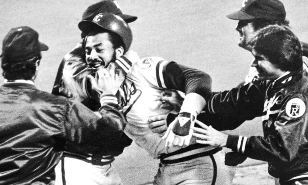 Willie Aikens drives in the winning run in the 10th in game 2 1980 World Series