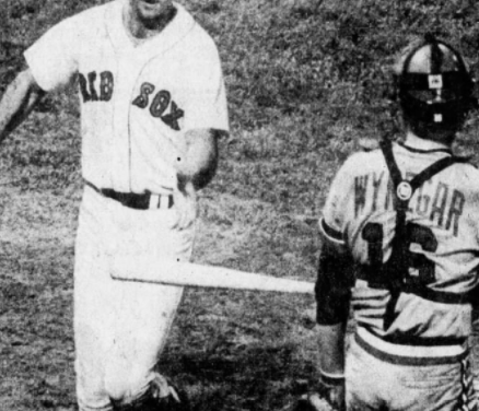 Fred Lynn becomes 13th Red sox to hit for the Cycle