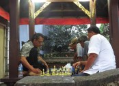 Local game of chess
