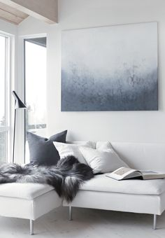 Soft grey and blue tone. Image by https://www.bloglovin.com/blogs/stylizimo-blog-2486608/shades-blue-4636408709