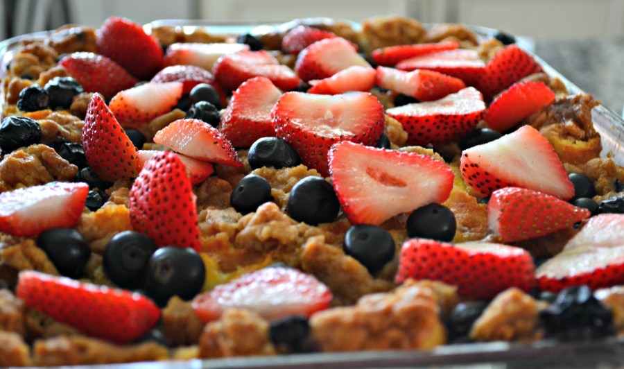 A Couple's Wedding Shower: A Make-Ahead, Crowd-Pleasing Brunch - French Toast Bake | thisgratefulmama.com