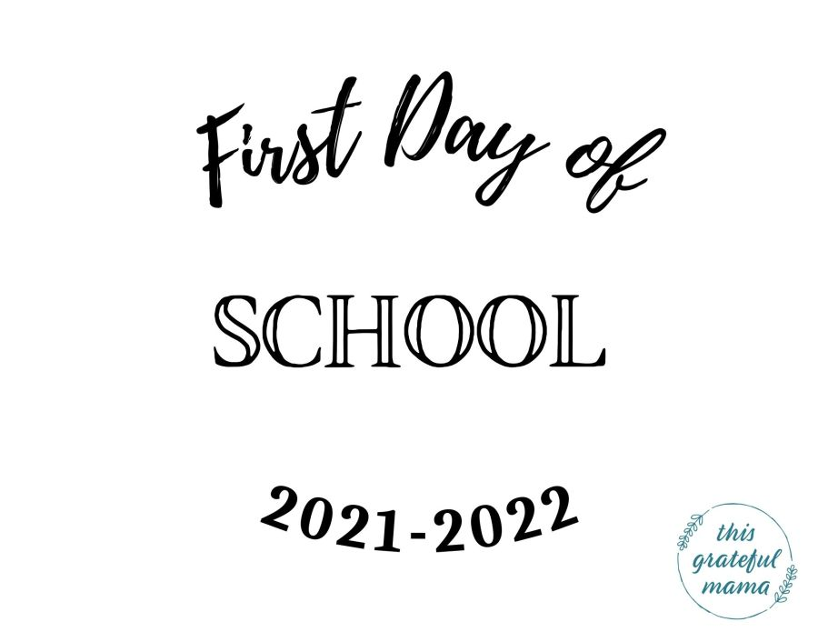 First Day of School Printable Signs for Preschool, Pre-K and K-12   ThisGratefulMama.com