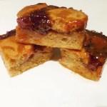 Skinny Cherry Pie Bars -- fat free, lower sugar, and bursting with cherry pie flavour | thishappymommy.com