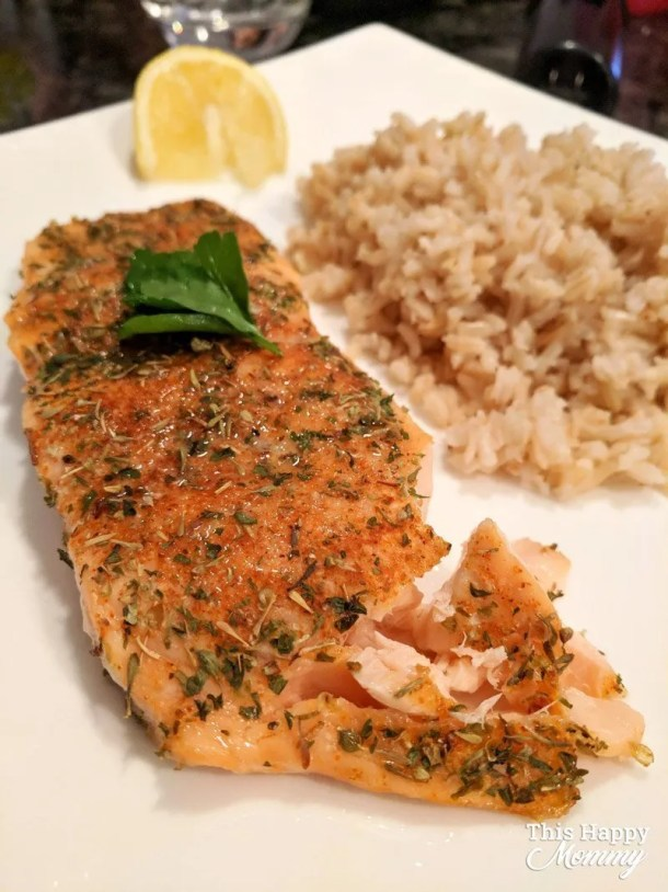 Give your salmon a boost of flavour with a blend of herbs and Cajun-style spices. In just 15 minutes, you can enjoy Healthy Blackened Salmon and it is so simple to make. Apply a quick dry rub to the salmon fillet and let it bake in the oven. That's it! | healthy fish recipes | healthy oven baked fish | quick and easy baked salmon | clean eating salmon recipes | #recipe #healthyrecipe #fish #salmon #bakedsalmon | thishappymommy.com