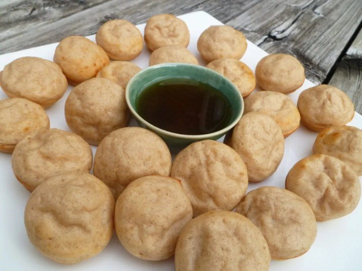 Maple Mini Muffin Pancakes -- If you love breakfast food, you'll love Maple Mini Muffin Pancakes. All the flavours of fluffy maple pancakes in these sweet, mini bites. #breakfast | thishappymommy.com