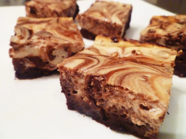 Maple Cheesecake Brownies are the perfect blend of light and creamy cheesecake with rich, flavour-bursting chocolate.