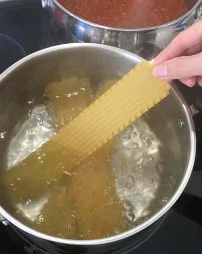cooking lasagna sheets
