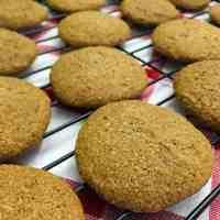 Easy Vegan Gingerbread Cookies - Gluten Free