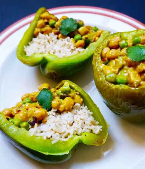 stuffed-peppers-brown-rice-chickpeas