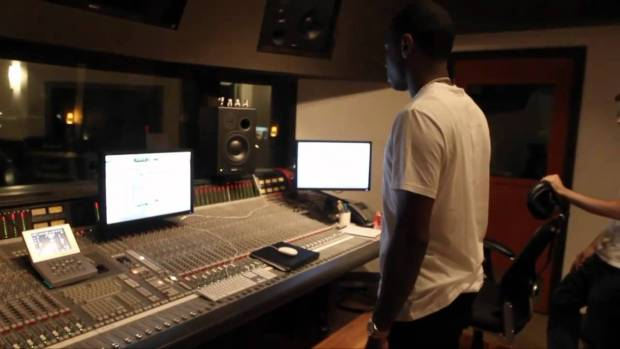 """Lloyd Banks """"Start It Up"""" Behind The Scenes – Off """"On The Road To HFM2"""""""