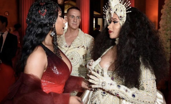 Nicki minaj cardi b finally meet face to face m4hsunfo